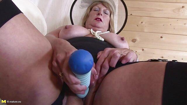 Porno caliente sin registro  pillando porno amatrur latino a dos chicas desnudas jugando y lamiéndose en