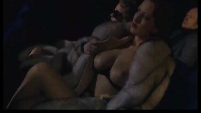 Porno caliente sin registro  Riasweet da trabajando con el pie y porno amatur latino masturbación con la mano