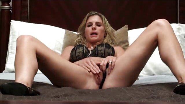 Porno caliente sin registro  Novia se masturba pprno amateur latino
