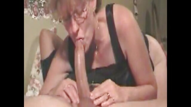 Porno caliente sin registro  Saltar los huesos de alguien latinoamateur 78