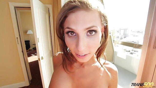 Porno caliente sin registro  colombiana enseña su coño por pornolatinoamateur dinero