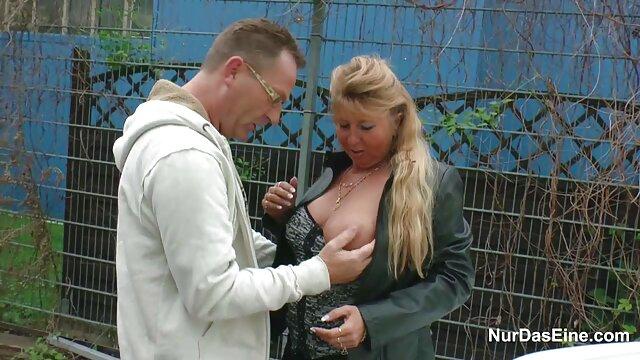 Porno caliente sin registro  BFF lesbianas porno amateu latino jugando en bragas