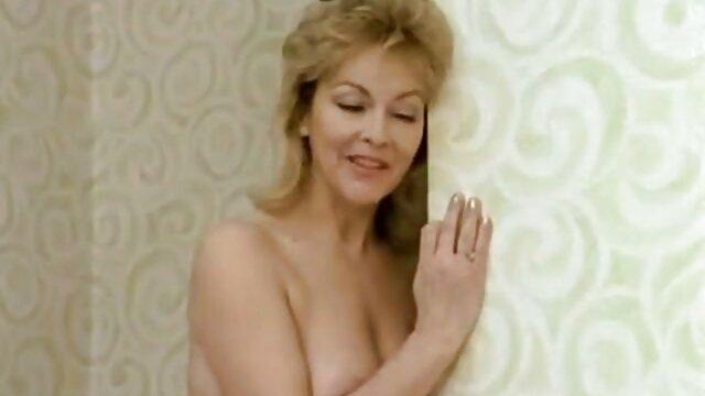 Porno caliente sin registro  LustHD xxx amateur latino - ¡Horny Euro Babe obtiene un facial pegajoso!