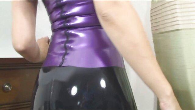 Porno caliente sin registro  La milf tetona elle enseña a la adolescente Payton a chupar video amateur latino y follar