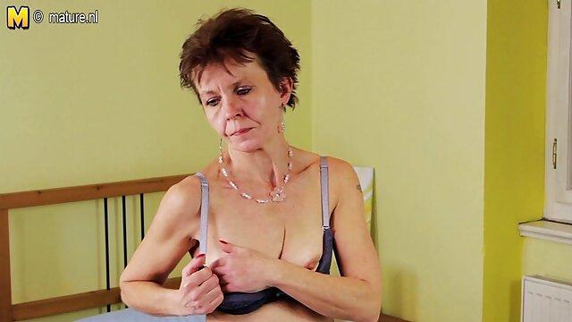 Porno caliente sin registro  Mamá alemana amateur por no latino
