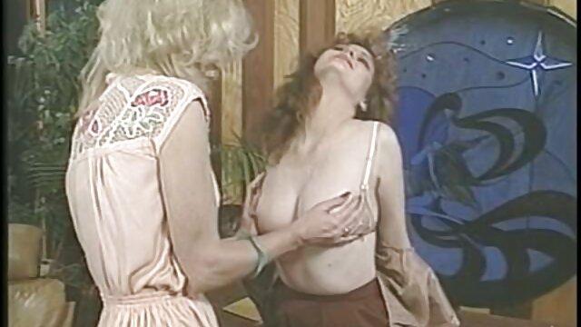 Porno caliente sin registro  Sexy amateur latino casero 3 algunas folladas (MFM)