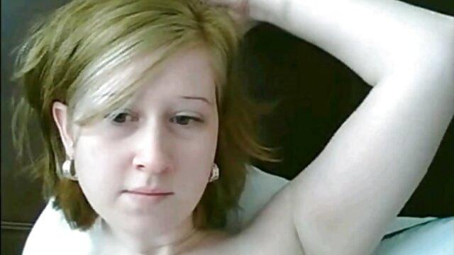 Porno gratis sin registro  Gordita amateur xxx latino madura rubia da entrevista y se desnuda