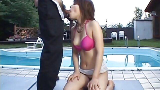 Porno caliente sin registro  Sexy jovencita folla videos amateur latino y recibe una enorme corrida facial