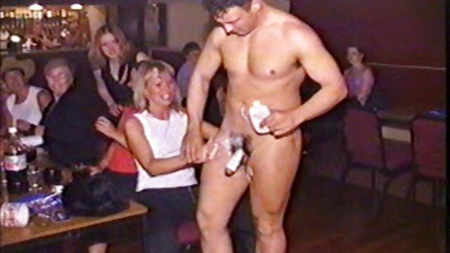 Porno caliente sin registro  Taissia - ¡Primero examinemos tu redondo culo adolescente! por no amteur latino