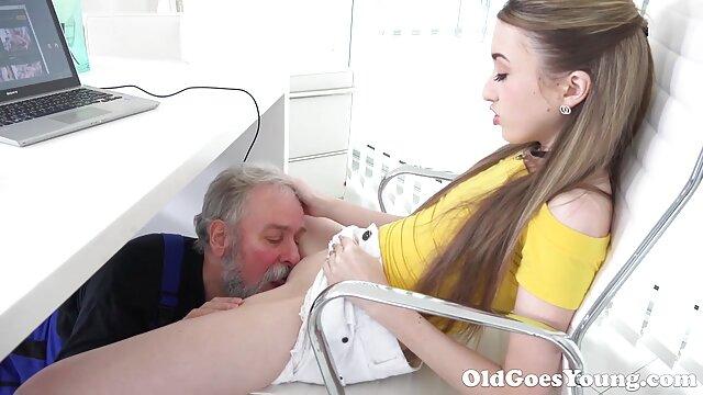 Porno caliente sin registro  Aurora la porbo amateur latino milf latina