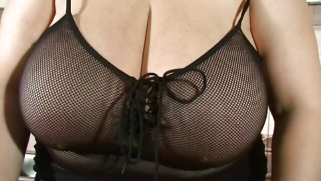 Porno caliente sin registro  Nikki primera vez amateur latino casero