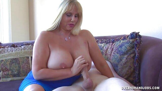 Porno caliente sin registro  2 amateur latinos dulce mamá madura y chico afortunado