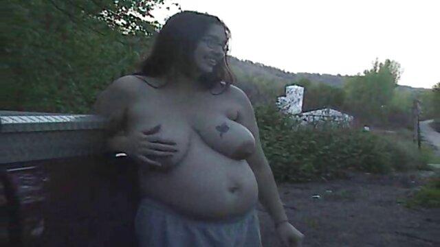 Porno caliente sin registro  Fumando rubia caliente con grandes tetas follada al amateur latino xxx aire libre