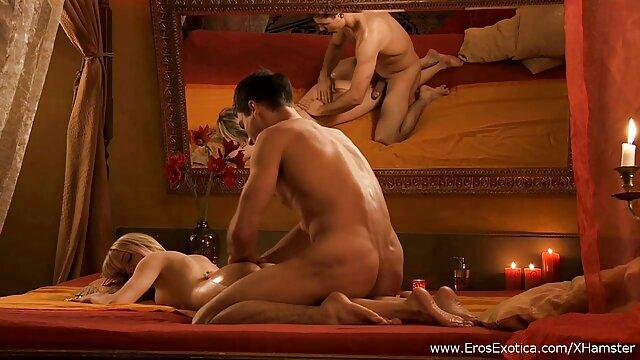 Porno caliente sin registro  Una vieja lengua porn latino amateur blanca en su culo negro caliente