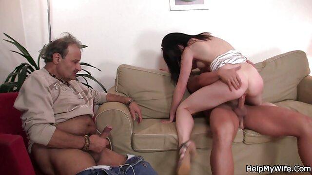 Porno caliente sin registro  Euro MILF sexo amateur latino en medias strapon follada por tetona rubia