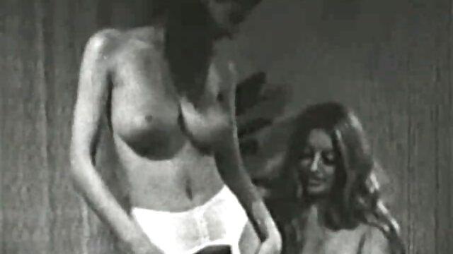 Porno gratis sin registro  mástil oculto a través de la ventana videosamateurlatino