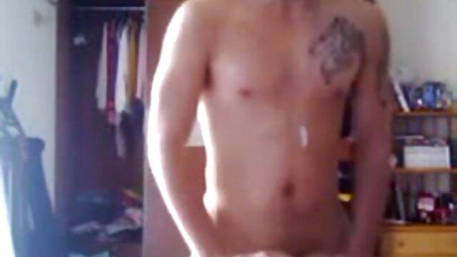 Porno caliente sin registro  Chica amateur latino videos sexy, pezones perforados es follada duro
