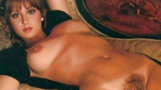 Porno caliente sin registro  Adorable morena porn latino amateur adolescente monta una gorda erección