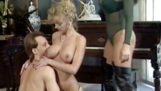 Porno caliente sin registro  Dos amigas tetonas amateur latinos se ponen romanticas 2