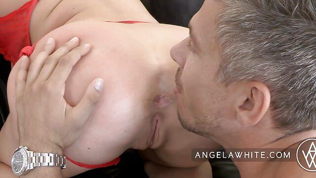 Porno caliente sin registro  Jeny chupa polla y recibe DP follada por dos sementales y amateur sexo latino crema