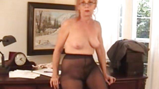 Porno caliente sin registro  Joy atado en medias de nylon amateurlatinas