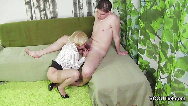 Porno caliente sin registro  Abuelita aficionada chupa amateur latino vip y toma una polla dura