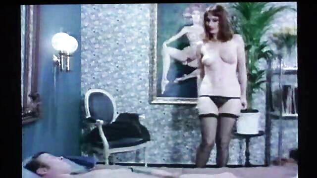 Porno caliente sin registro  JOYBEAR Follando a una porbo amateur latino rubia en un balcón con vista pública