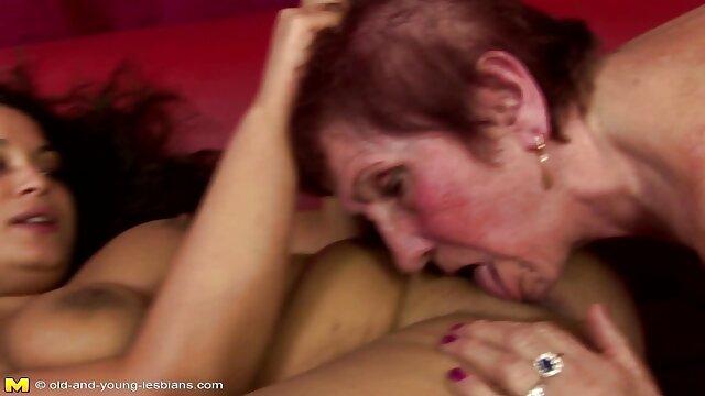 Porno gratis sin registro  Juguetes morenas sexy en la porno amatrur latino leva