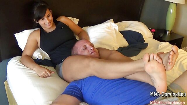 Porno caliente sin registro  Dulce mamá con flácidas tetas caídas y videos de sexo amateur latino chico