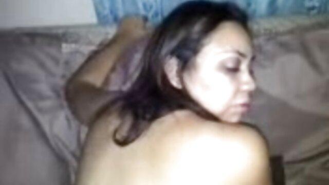 Porno caliente sin registro  Sexy amateur porno amateu latino morena folla su bf
