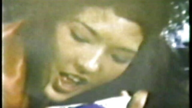 Porno caliente sin registro  Hombre videos porno latinos amateur mayor convence a adolescente para follarlo y chuparlo